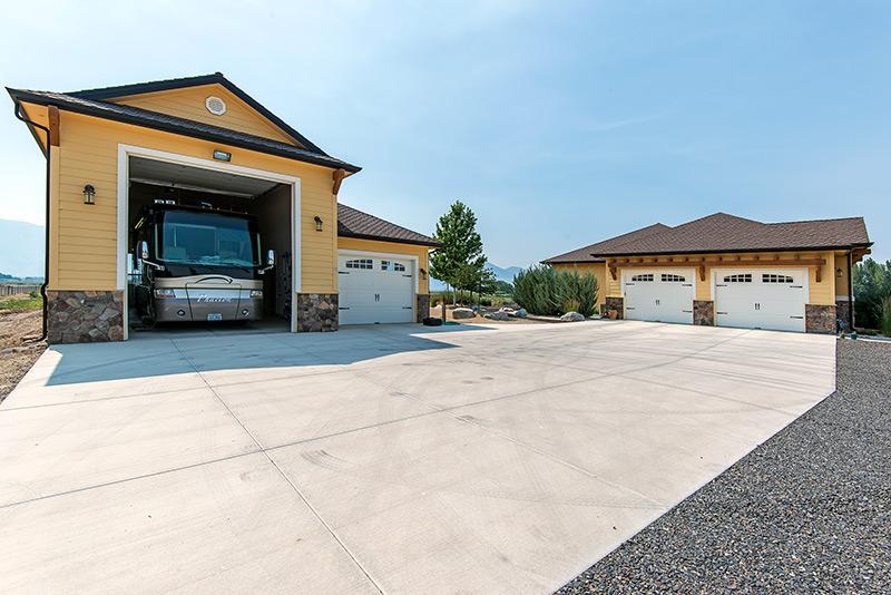 13 - 1548 Orchard RV Garage